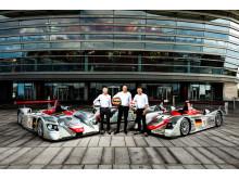 Dindo Capello, Frank Biela og Tom Kristensen ved Audi Le Mans vinderbiler fra 2000, 2001 og 2002 for Operaen i København (foto Mads Dreier)