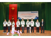 Eight more students receive Panasonic Scholarship 2015