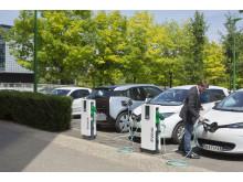 Hedin Bil investerar i 250 laddningsstationer från Schneider Electric