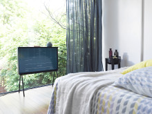 Samsung Serif TV - Winter Hibernator