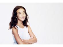 Aubrey Anderson-Emmons som Lily Tucker-Pritchett i Modern Family säsongspremiär på FOX söndag den 28/10 kl 21.00.