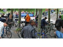 Recycle-dagen med utdelning av gratis cyklar