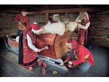 Preparigng Santa's sleigh