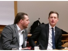 Gunther Mårder och Emil Källström, centerns finanspolitiska talesperson i samtal om branschförbundsfrågor