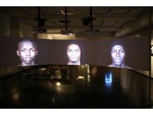 "Videoinstallation ""Crossings"" von Leila Aloui"