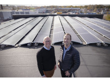 Kristoffer Lindman & Anders Jalmander på soltaket.