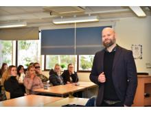 Johan Hermansson, jurist Hyresgästföreningen, på Timrå Gymnasium