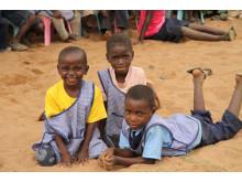 Barn på Läkarmissionens barncenter i Mocambique