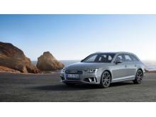 Audi A4 Avant (kvantumgrå) statisk forfra