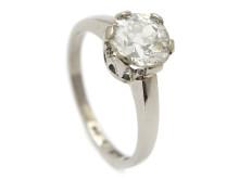 Klassiska 28/3, Nr: 38, ENSTENSRING, 18K vitguld, gammalslipad diamant ca 1,30 ct