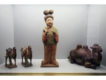 Frühchinesische Ausstellungsstücke und Stücke  des 20. und 21. Jahrhunderts