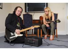 Josephine Forsman och David Davies i Låtarna som förändrade musiken