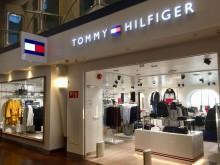 Världens första flytande Tommy Hilfiger-butik