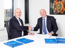 STRATEGISK AVTALE. Telenor Norge og konstituert administrerende direktør Bjørn Ivar Moen (t.v.) velger Sopra Steria, her ved administrerende direktør Kjell Rusti, som langsiktig partner og breddeleverandør på IT-siden.