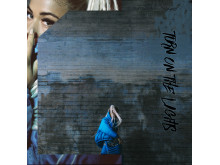 Julie Bergan / Turn On The Lights / Artwork