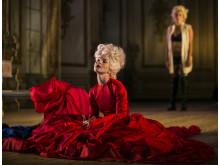 Alla ska dö men jag ska dö först - Anna Järvinen tolkar Marie Antoinette