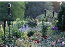 Obelisk I heter detta vackra rosentorn