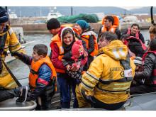 83 personer räddades efter en kapsejsning utanför Lesbos igår, minst två människor drunknade.