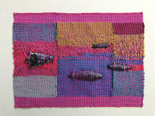 "Sheila Hicks, ""Minimes"", FIMBRIA, textil och sten, 2018"