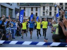 ASICS ambassadör Jonas Buuds Team Ultra-Trail går i mål på Outrun the Sun