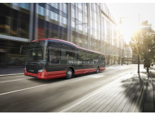 Visionsbild självkärande elektrisk fullängsbuss