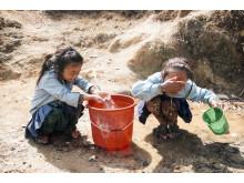 Läkarmissionens givare har bekostat toaletter och tvättrum till den provisoriska skolan