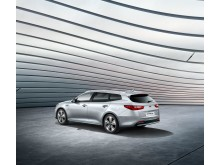 kia_optima_sw_phev_my18_3_4_rear_view_11163_61973