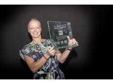 Anna A. Sandholm var både glad och överraskad efter att  ha mottagit det prestigefyllda priset Årets avdelningschef. Foto: Nordic Choice Hotels