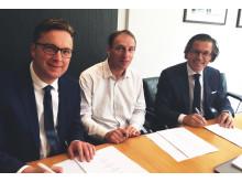 EVBox EVTronic acquisition signing_(v.l.n.r.) EVBox CCO Peter van Praet, EVTronic oprichter Eric Stempin en EVBox CEO Kristof Vereenooghe