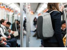 Stöldskyddad ryggäck på tunnelbanan