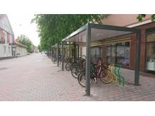 Nya cykeltak med flerfärgade ställ i modell Arc, Nyköping