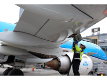 Biojet fuel on KLM Cityhopper's Embraer 190