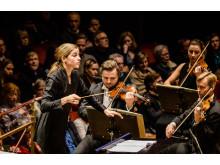 Kungliga Filharmonikerna Janine Jansen spelar Bruch