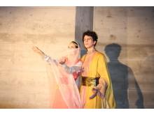 Barbara Bäumler in der Rolle der Leila und Rafael Tavares in der Rolle des Ali