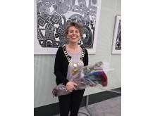 Britt Jensen fik her til aften borgmesterkæde på og en buket røde roser