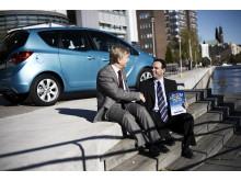 Ralph Gonsalves VD Opel tar emot pris - Årets Familjebil
