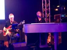 Jessica Falk vid pianot