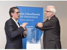 Eröffnung Deutsche Glasfaser Zentrale Geschäftsführer Uwe Nickl und Wirtschaftsminister Duin 30.3.2017