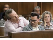 Eric Stonestreet och Dan Levy i Modern Family säsongspremiär på FOX söndag den 28/10 kl 21.00.