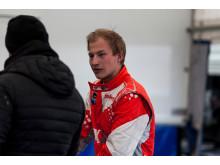 En sammanbiten Kevin Eriksson inför chansen att ta andra raka titeln i RallyX Nordic