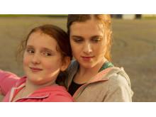 Rebecka Josephson och Amy Deasismont i Min lilla syster
