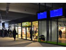 Blick in den Dienstleistungsbereich des Fernbus-Terminals in Leipzig