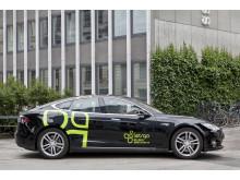 Sus afsted i LetsGo's lynhurtige dele-Tesla S!