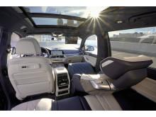 BMW X7 ZeroG Lounger