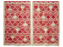 """""""Röd Crocus """"av Ann-Mari Forsberg, gobelängvariant 272 x 334 cm i två delar. Vävd av Johanna Avdic (ny Mästare) tillsammans med kollegorna Elsa Mörk, Eva Forslund och Helen Carlsson 2015. Foto: MMF AB"""
