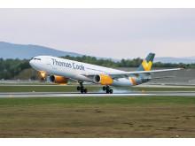 """Seks af Thomas Cooks A321-fly er blot omkring et år gammelt. De var ikke """"født"""" med avancerede radiosendere, men det har de fået nu for 2,3 millioner kr. Fremover kan de flyve uden om strejkeramt fransk område."""