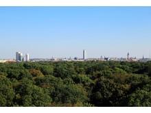 Blick vom Rosental auf die Skyline von Leipzig