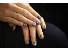 Oil Slick nails - Inspirert av Rebekka Minkoff