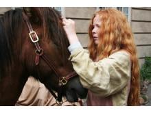Pige med hest til Nationalmuseets vikingemarked