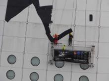 Sannah klättrar på Globen